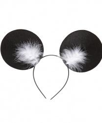 Уши мышки с белым пухом