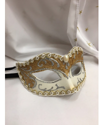 Венецианская маска в светлых тонах