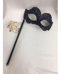 Венецианская маска с золотым узором на палочке
