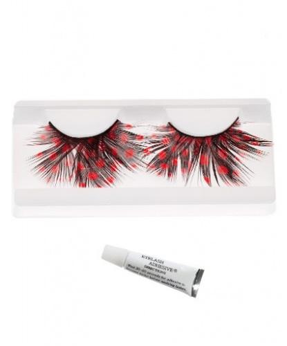 Накладные ресницы с красными пятнами