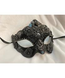 Венецианская маска c серебряным напылением, черная