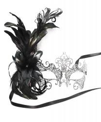 Металлическая маска Giglio c перьями сбоку(в ассортименте черная и серебристая)
