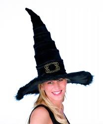 Бархатный колпак ведьмы с пряжкой