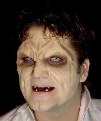 Латексная полумаска вампира