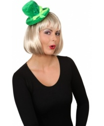Зеленая шляпка на обруче