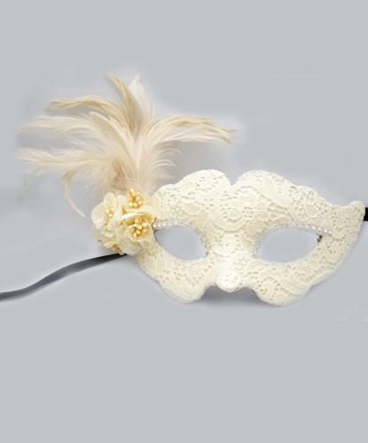 Венецианская белая маска, перья, папье-маше, ткань (Италия)