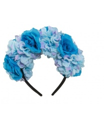 Венок с голубыми цветами