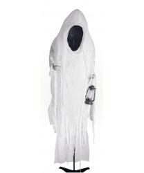 Фигура привидения с фонарем, на стойке