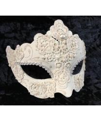 Венецианская маска украшенная кружевом, белая
