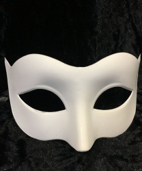 Белая карнавальная маска-основа