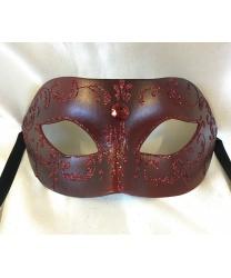 Бордовая маска с блестящим узором