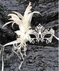 Металлическая маска белая с блестками