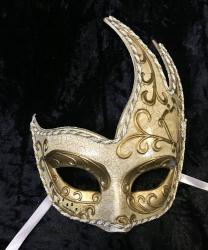 "Ассиметричная маска ""Музыка"""