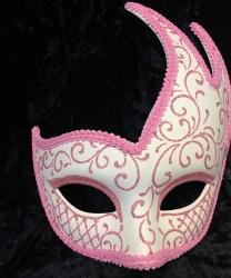 Ассиметричная маска, белая с розовым узором