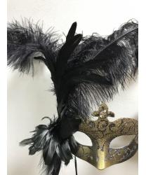 Карнавальная маска с перьями (темное золото)