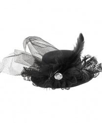 Черная мини-шляпка с кружевом